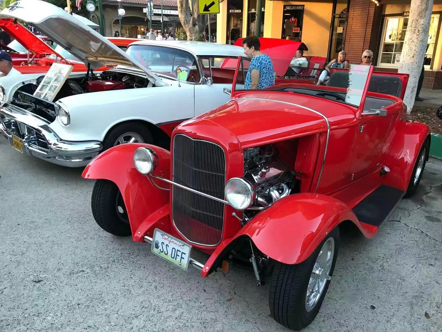 Antique cars, a treasure that has never faded from American life