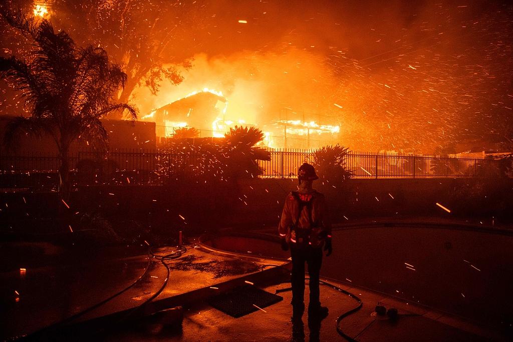 2 new California fires burn homes, send residents fleeing