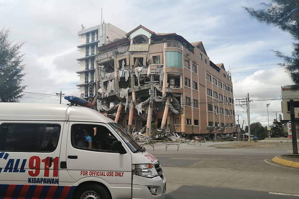 Philippine president's house sustains cracks in earthquake