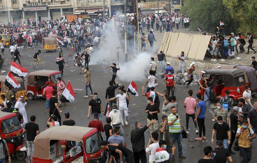 100 killed in 6 days of anti-gov't protests in Iraq