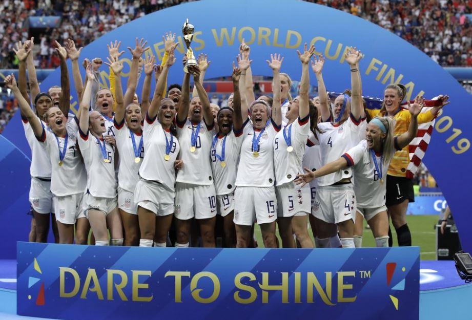 women soccer champs (ap).jpg