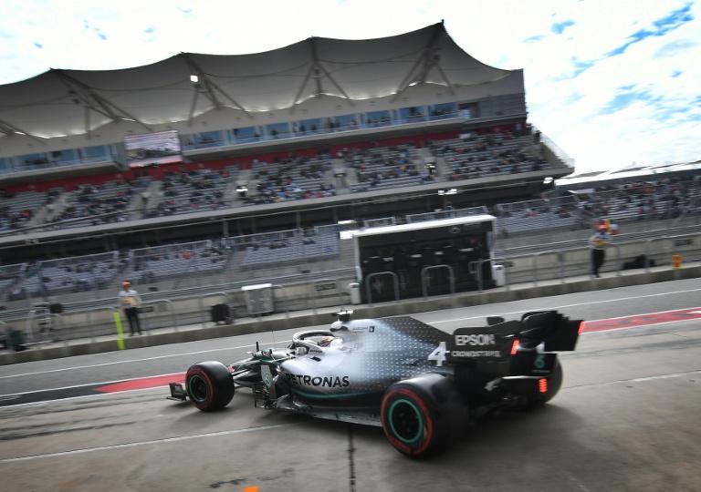 Things that go bump give Hamilton headache at US GP