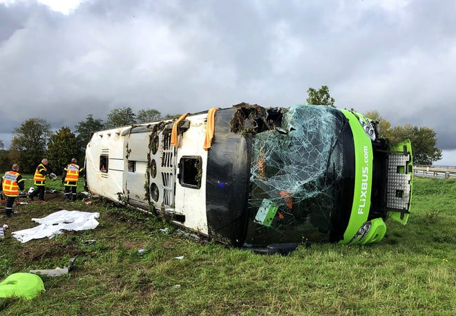 33 injured in N. France bus accident: reports