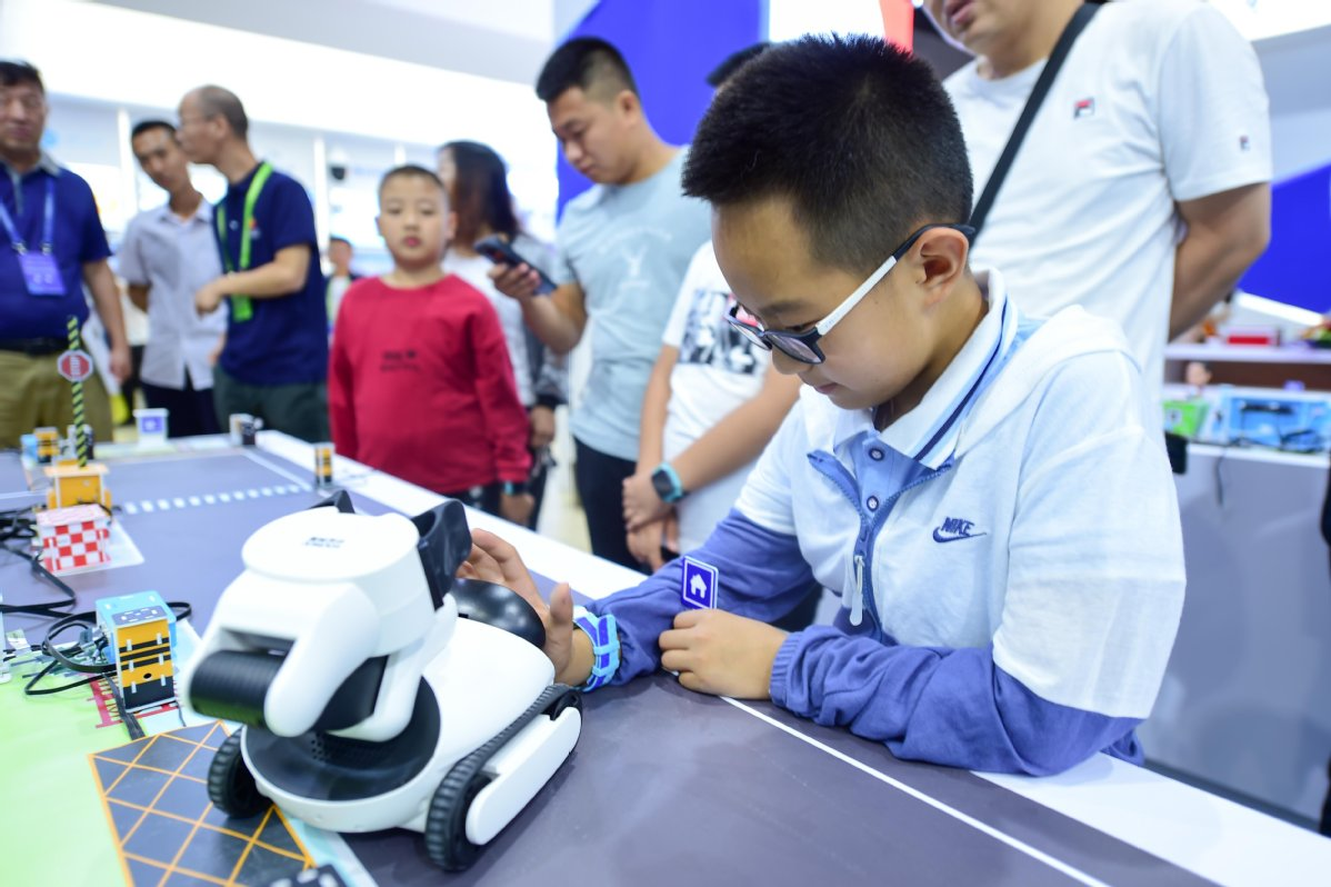 Environment-friendly Inner Mongolia gives big push to poverty alleviation