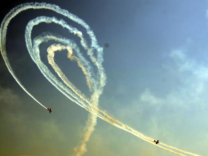 Air show wows in Nanchang