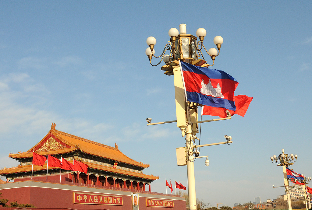 China, Cambodia agree to further grow ties