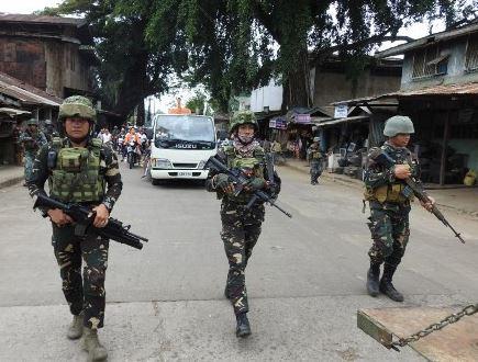 filipino cops (china plus).jpg