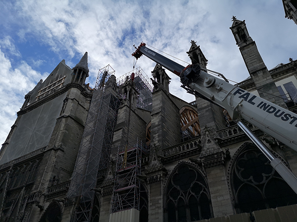China and France agreed to cooperate for repairs on the Notre Dame de Paris