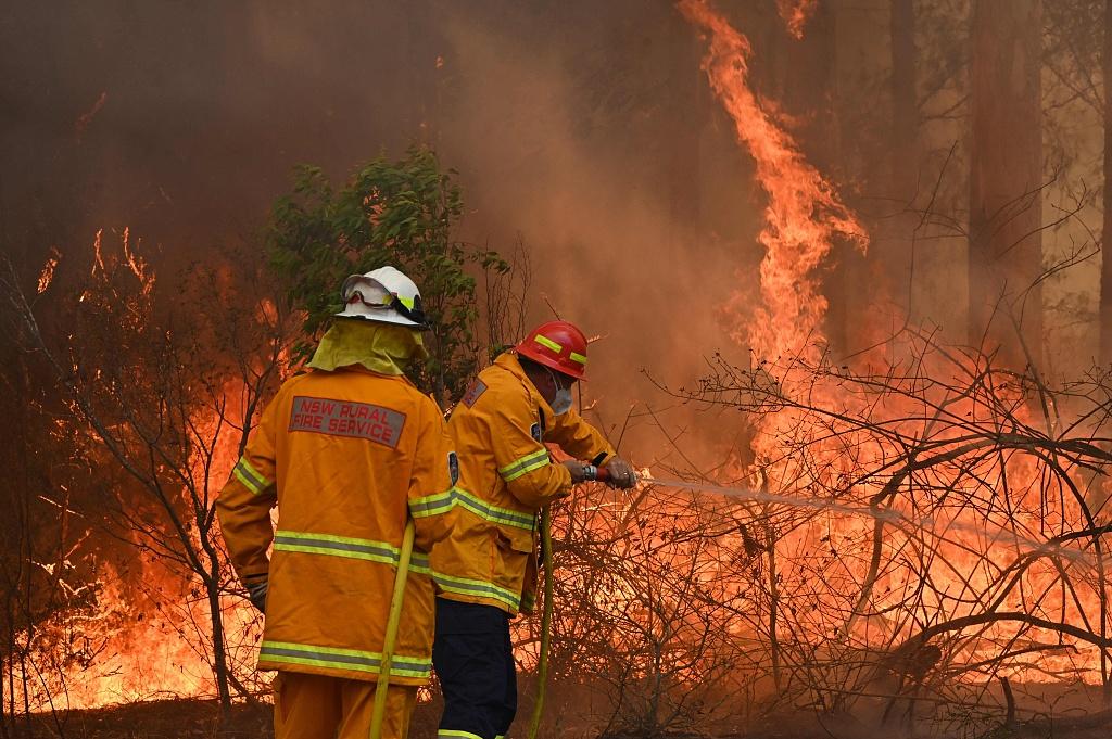 Australia bushfires leave three dead, at least 150 homes lost