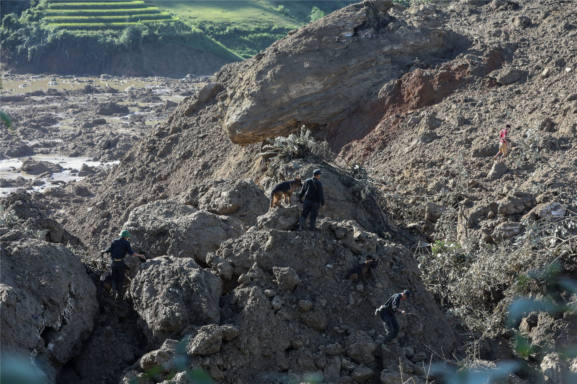Landslide kills 4, injures 1 in northern Vietnam