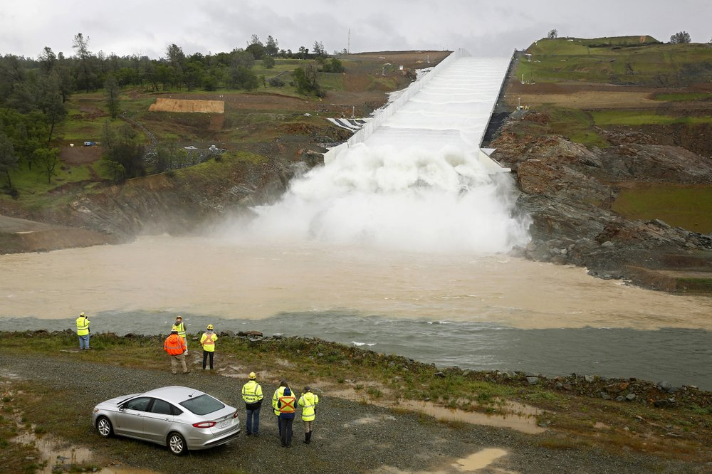 Thousands face risk because of aging US dams
