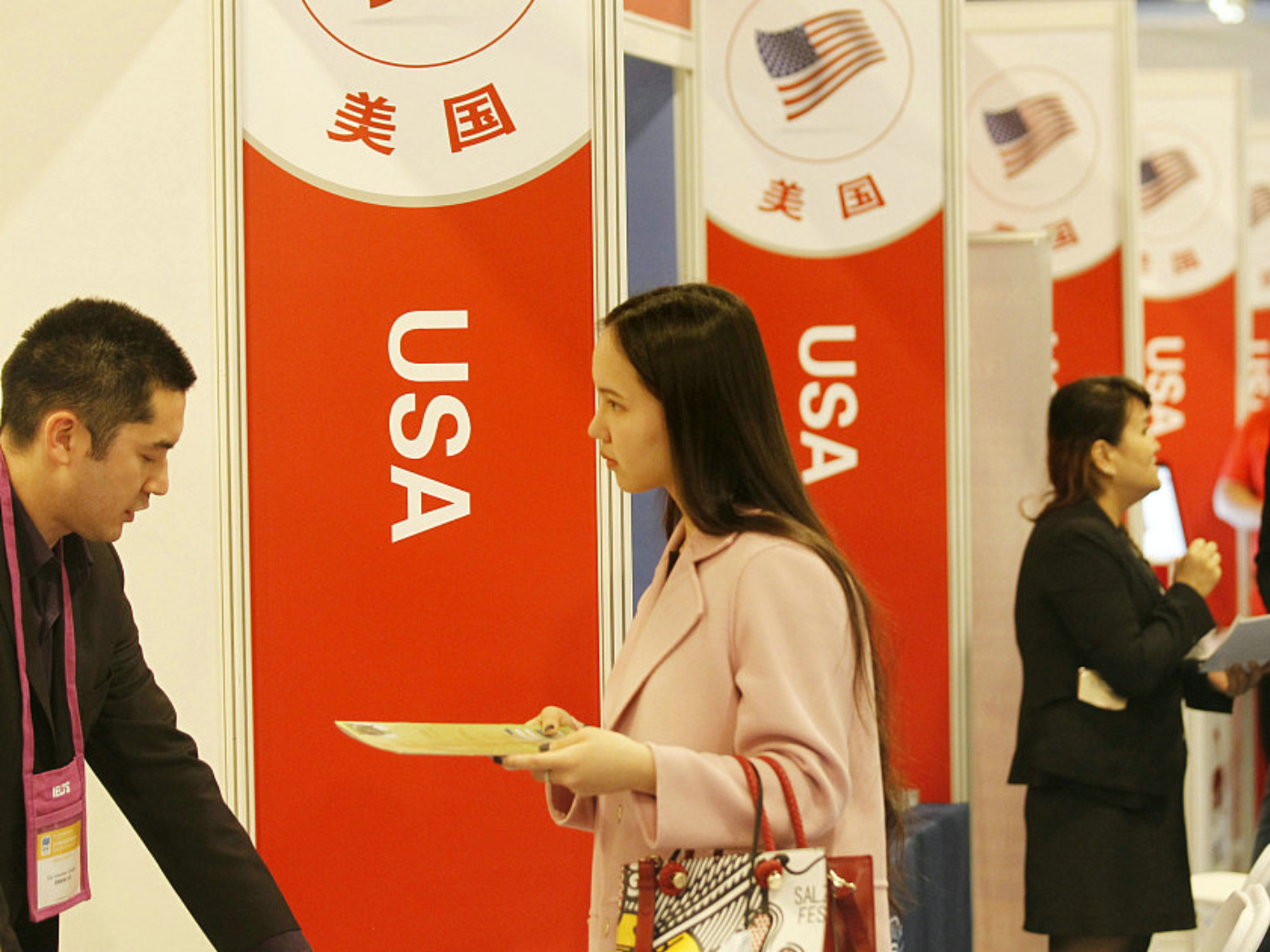 China hopes the US will turn words into actions on welcoming China's students