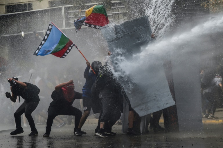 Chile to amend constitution, a key demand of protesters