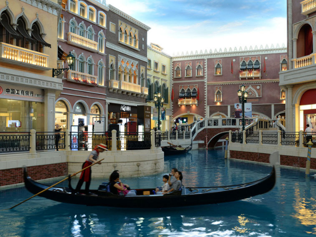 Macao's total population reaches 676,100