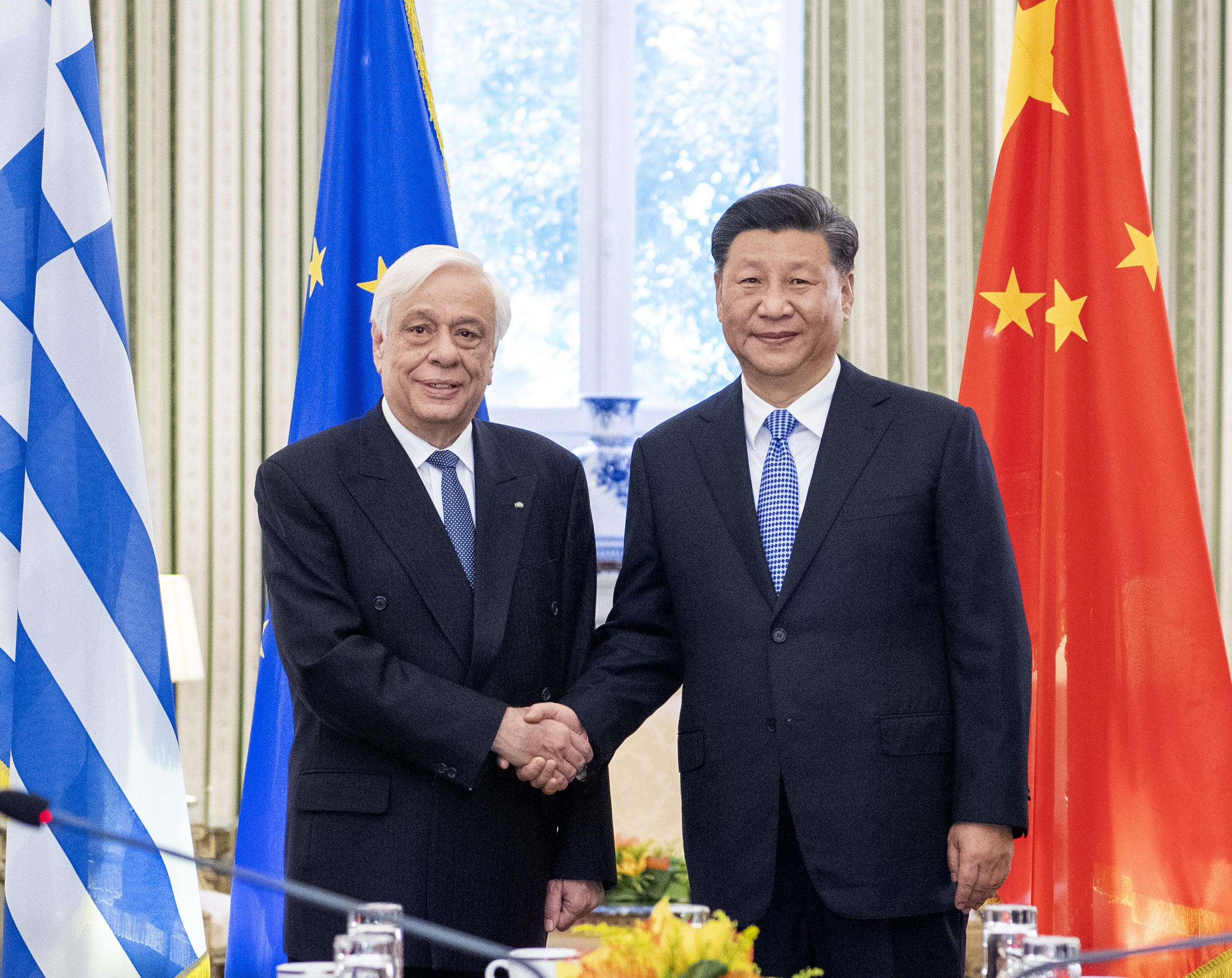Xi holds talks with Greek President in Athens, Greece