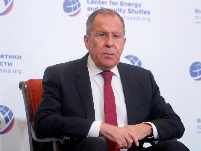 Russian FM calls US plan to guard Syrian oil robbery