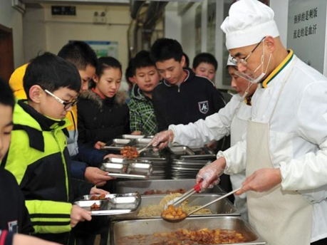 China to strengthen punishments for food safety violators: official