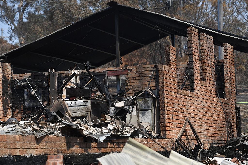 Further casualties avoided but homes lost in Australian bushfires
