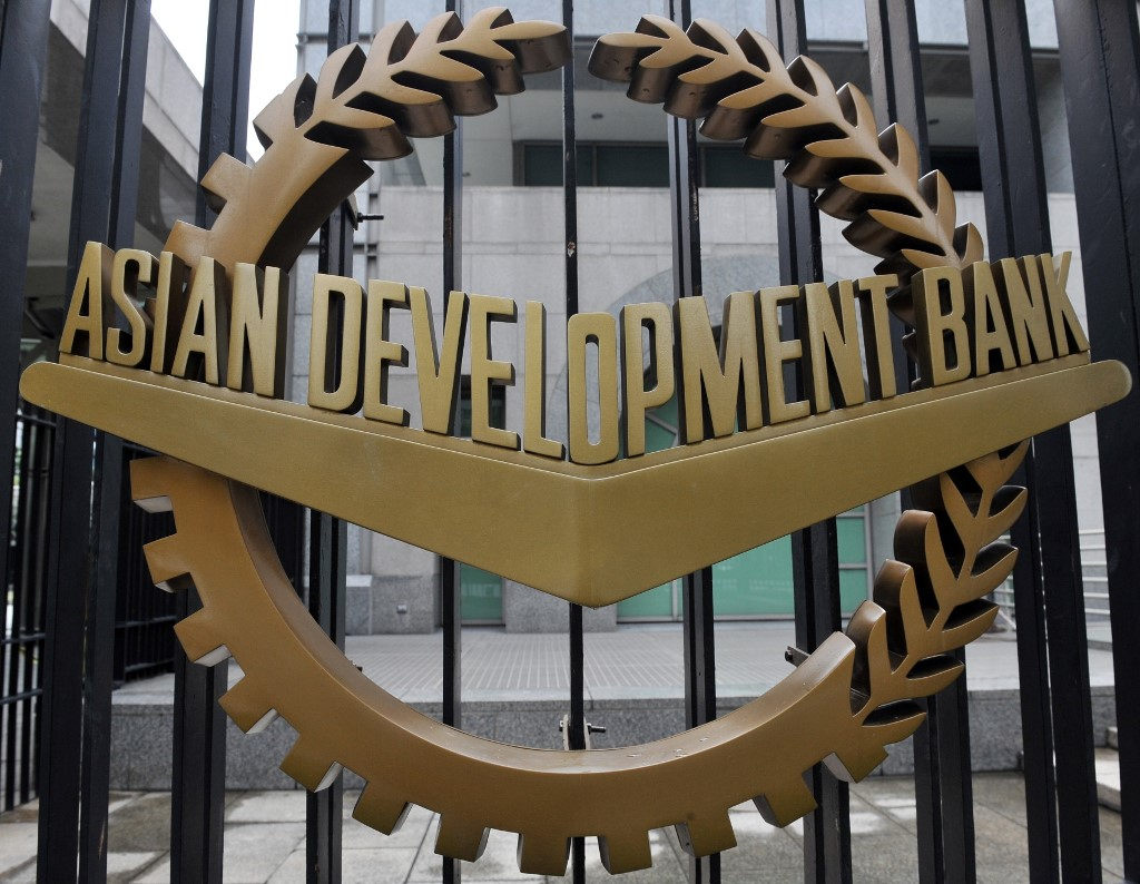 Remittance inflows to Asia climb up 8.4 pct, hitting a record 302.1 bln US dollars in 2018: ADB