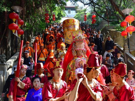 Ferry carrying Mazu statue sets sail from Meizhou Island to Thailand