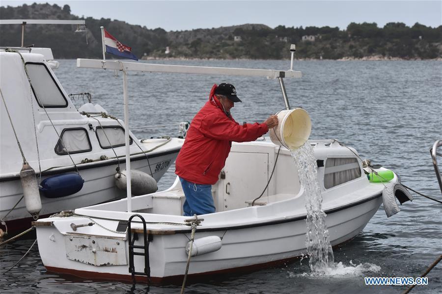 Gale-force winds, storm hit Croatia's Dalmatian coast
