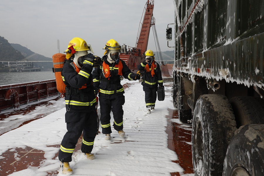 High-tech rescue exercise held on Yangtze