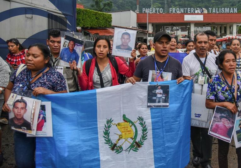 Parents of missing migrants begin Mexico caravan crossing