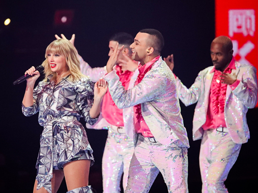 Taylor Swift's music feud affects her China show