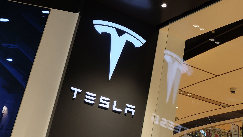Tesla unveils 1st electric pickup truck in L.A.