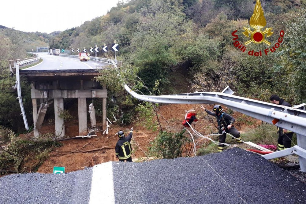 3 dead, highway collapses as floods pound France, Italy