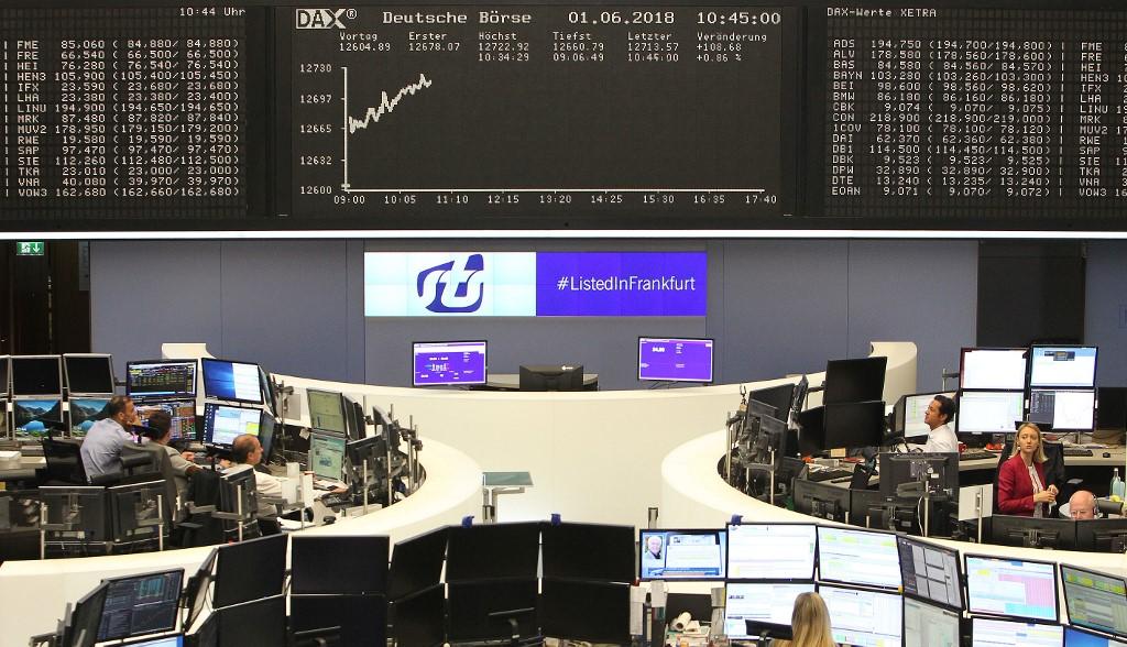 German stocks see little change at start of trading