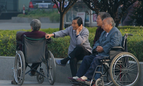 China applies high technologies in elderly care