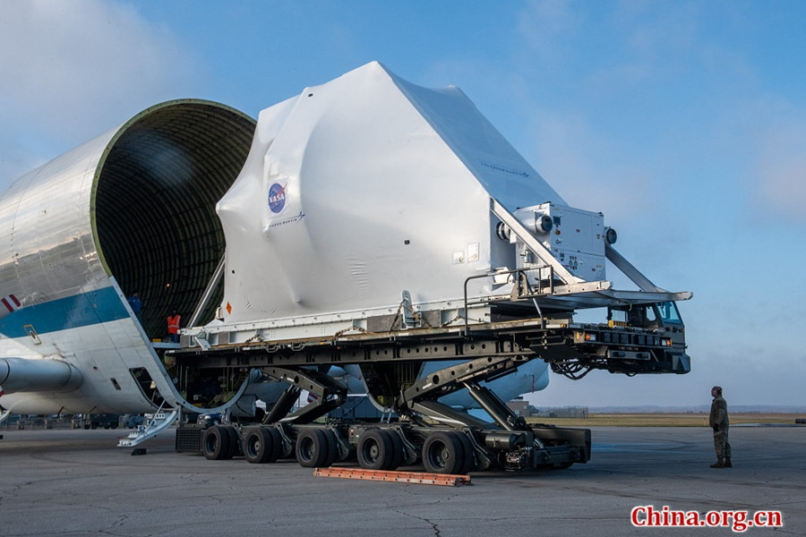 NASA's 'Super Guppy' aircraft arrives in Sandusky for testing