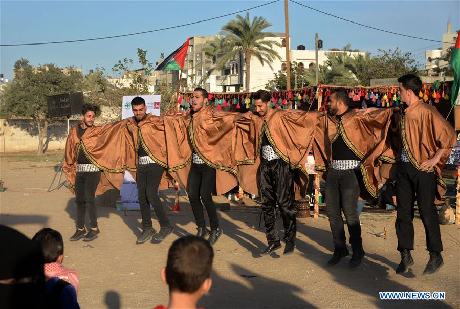 Palestinian heritage exhibition held in Maghazi refugee camp