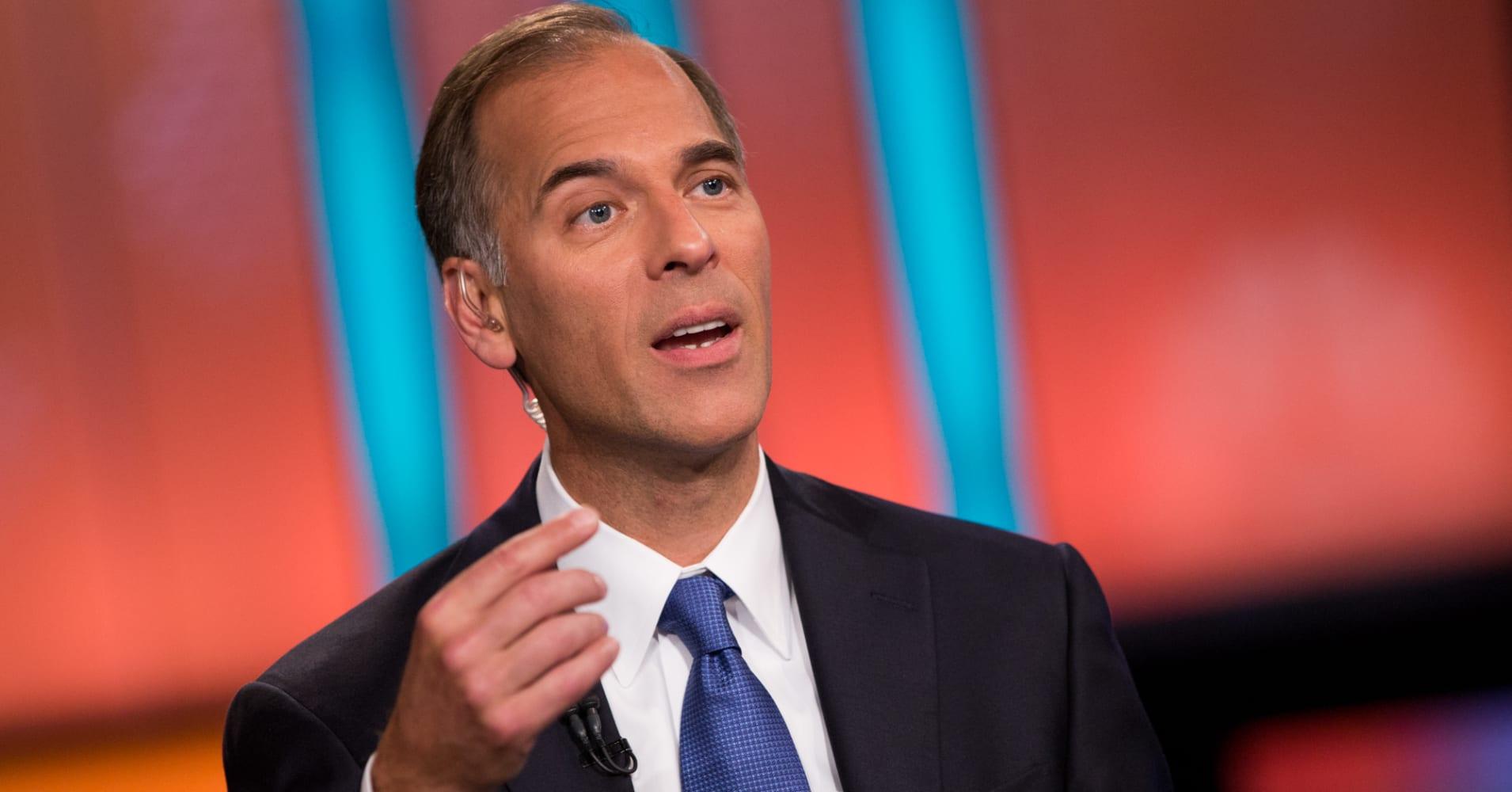 US trade war wreaks economic havoc, recession risks high