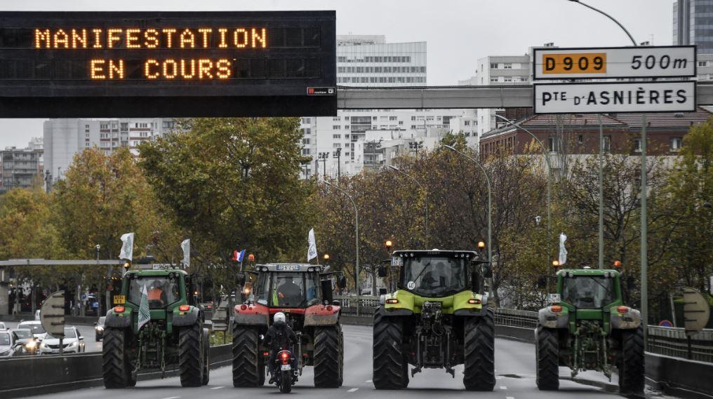 French farmers take 'agri-bashing' protests to Paris