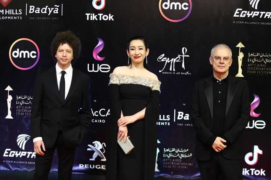 China's movie 'The Fourth Wall' wins prize in Cairo int'l film festival