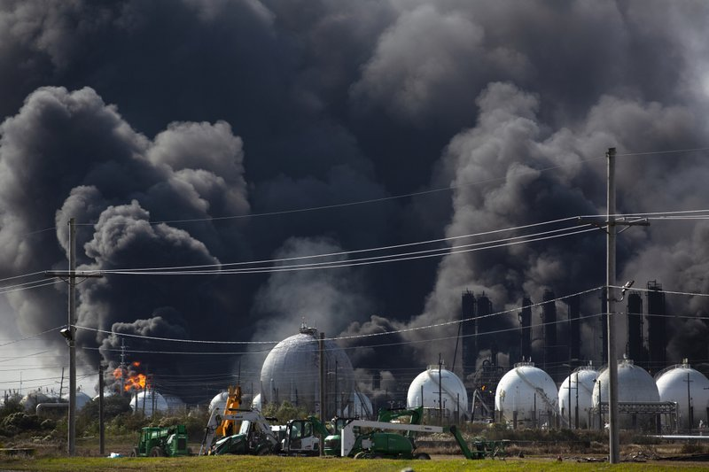 Evacuation order lifted as huge Texas plant fire 'contained'