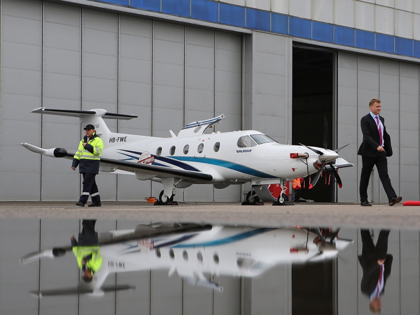 9 people killed in small plane crash in South Dakota, US