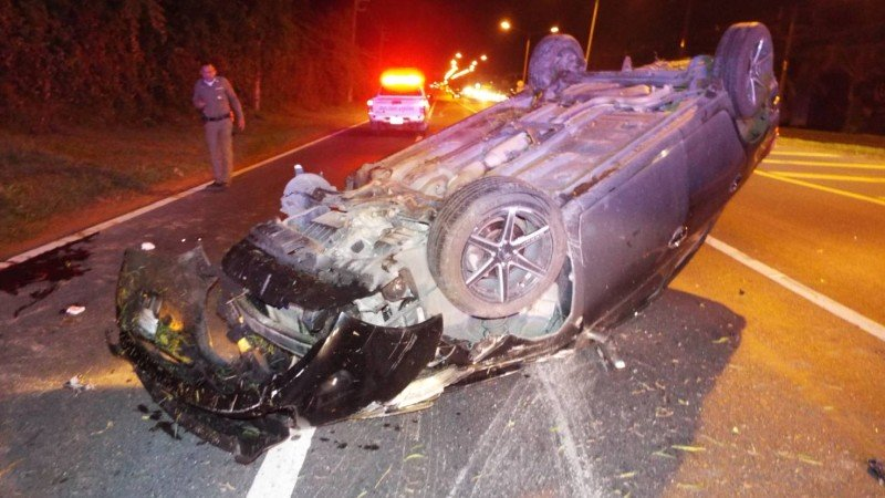 One killed, 3 injured in car crashes in southern Thailand