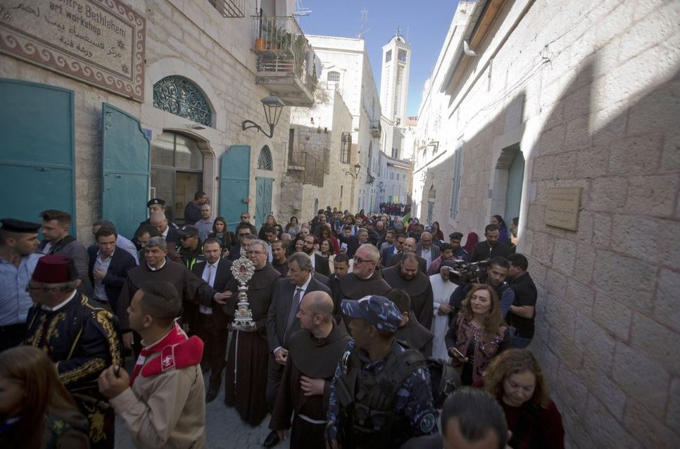 Relic thought to be from Jesus' manger arrives in Bethlehem