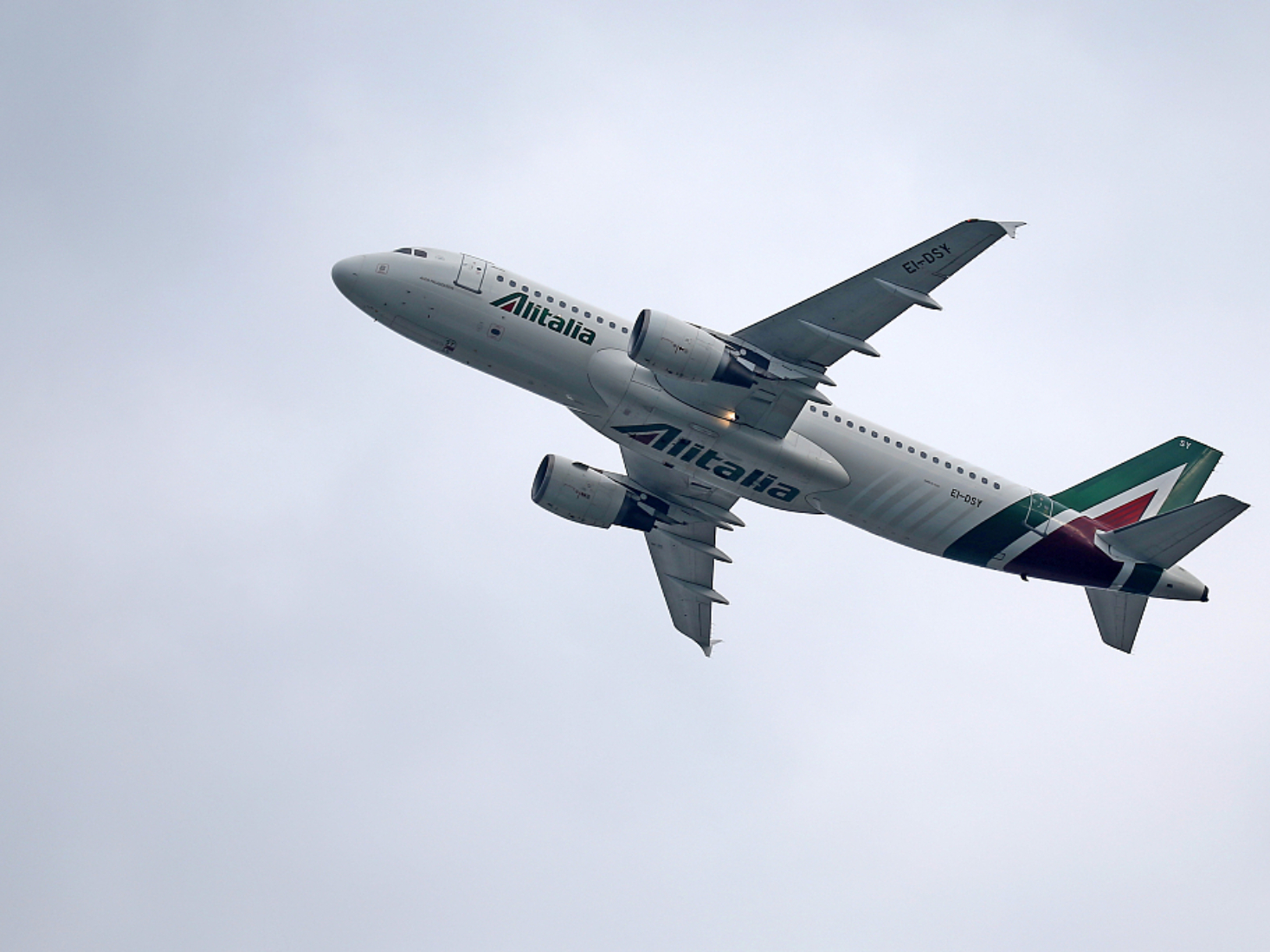 No clear flight plan for Alitalia after rescue stalls