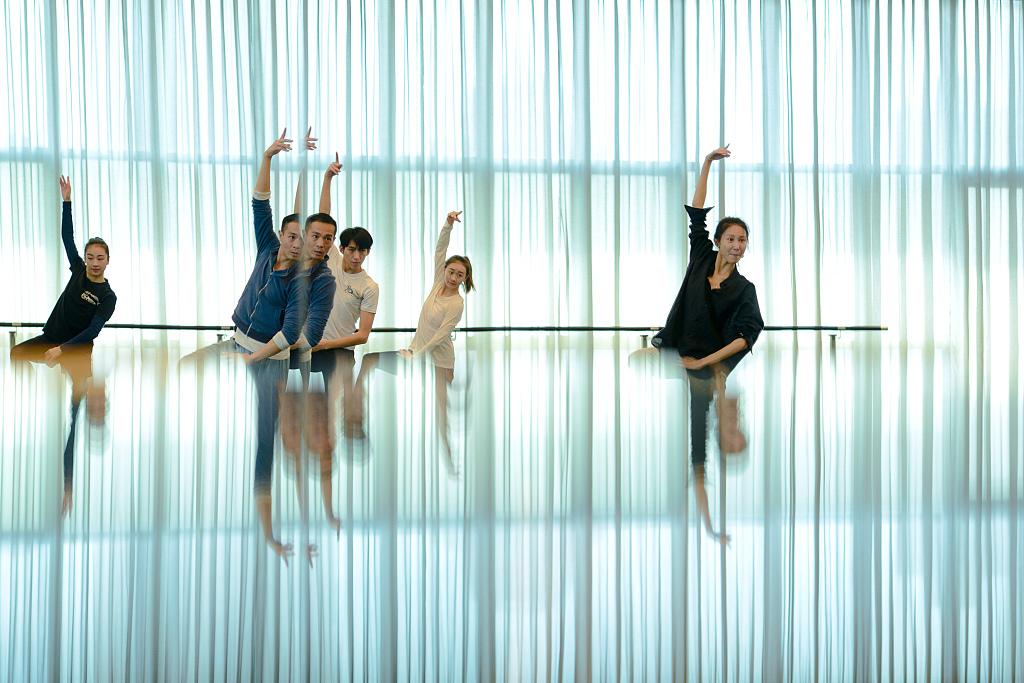 dancers-VCG.jpg