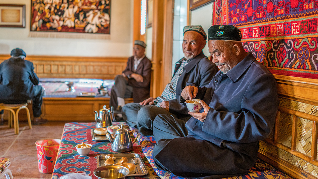 Religious, social freedom in Xinjiang impress Afghan journalists