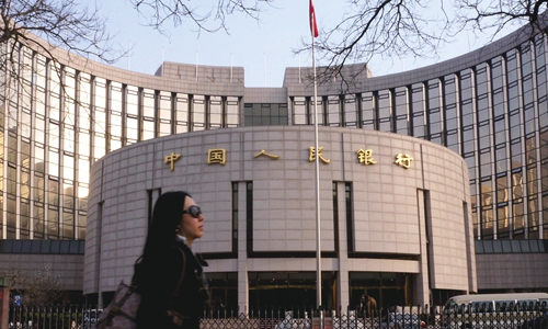 China gradually cleans up P2P lending businesses