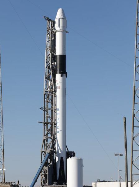 falcon 9 rocket ap).jpg