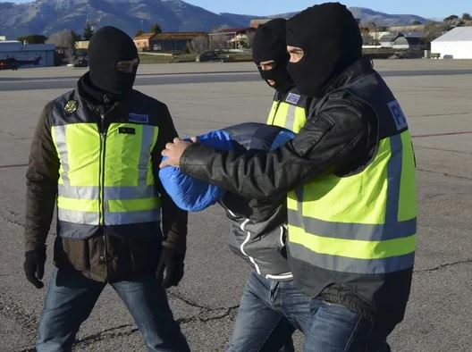 spain cops (afp).jpg