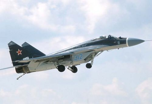 Egyptian fighter jet crashes due to sudden error, pilot survives