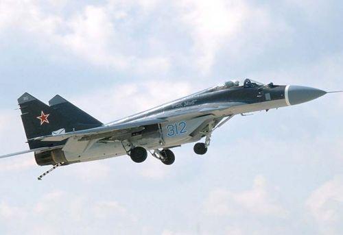 Egyptian fighter jet crashes due to sudden error, pilot survives