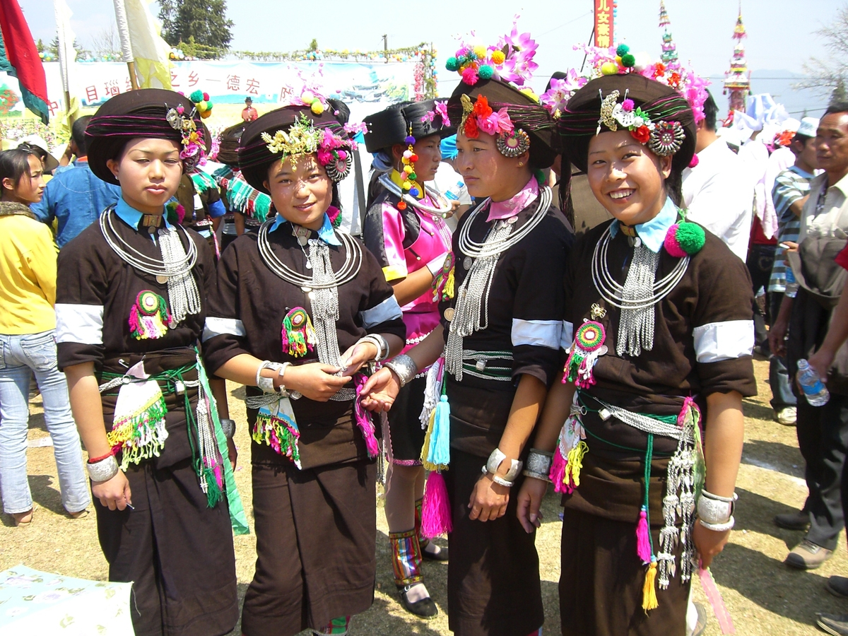 Yunnan launches program to protect minority languages
